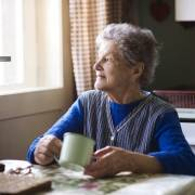badanti invecchiano aes domicilio milano